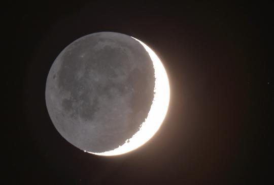 201701311829 三日月の地球照 70% w1200 DSC_7072.jpg